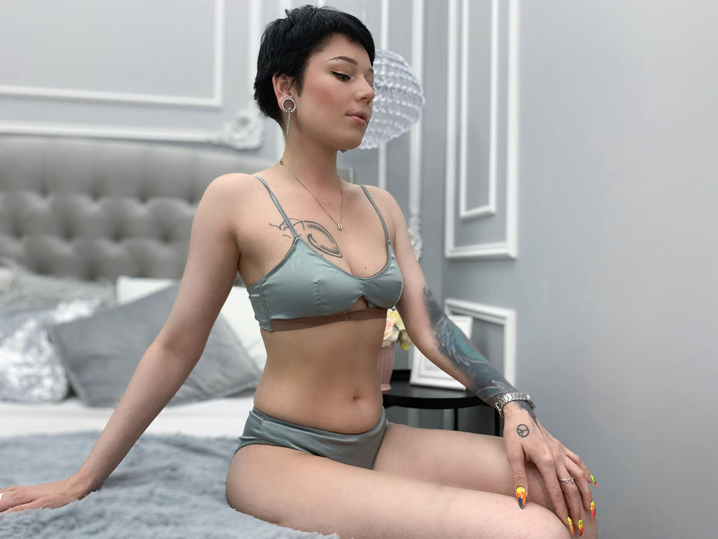 janisaber live sex cam chat