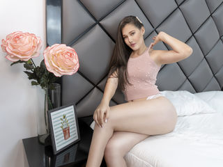 Hi, I am MayAndersen and I am 19 years and online right now on webcamsfan.com - i love me a good chat, a good time and a good lover, ofcourse as good as me, i love flowers and nature and a good book is always the perfect company.