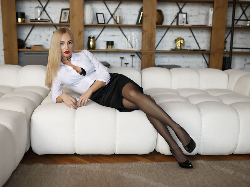 blondsecret cam live sex video