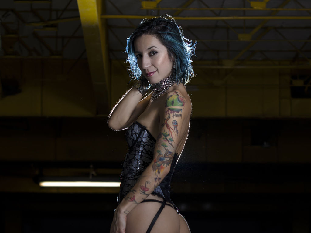 wildtattoogirl direct sex live feed