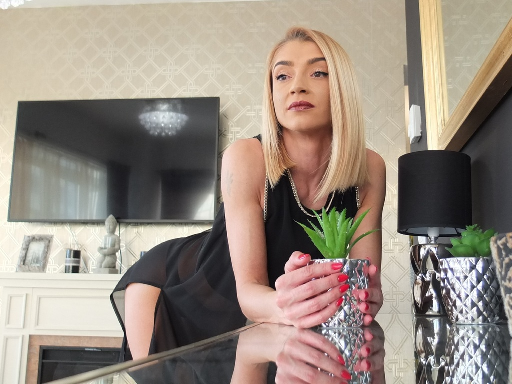 xxhotaliciaxx live sex chat
