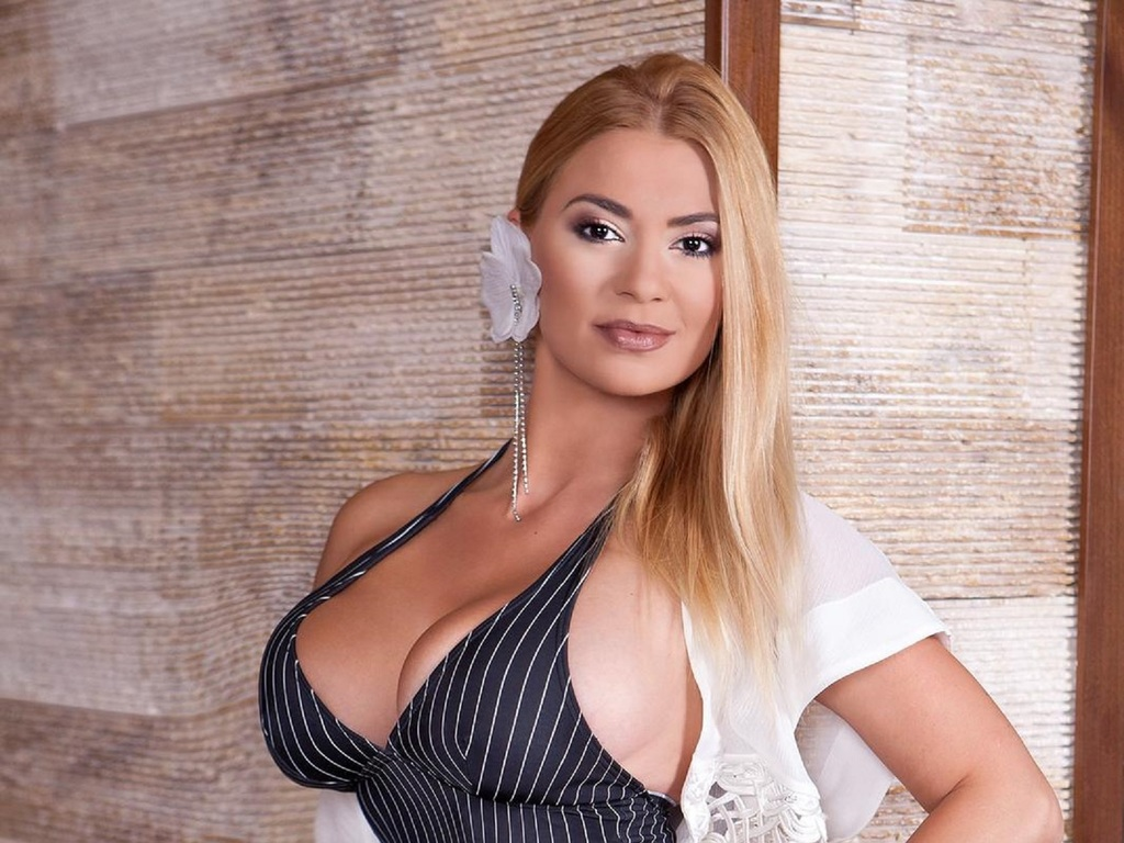 christiannamylf direct sex chat live
