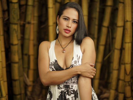 Chat with ThaliaCohen