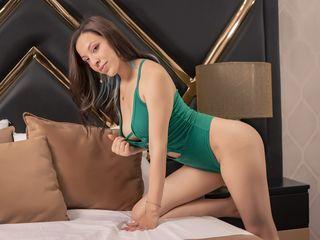 Sexy profile pic of AliceDawnson