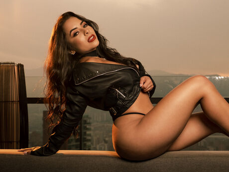 Chat with ZoeVillalobos