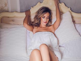 Sexy profile pic of JenniferHill