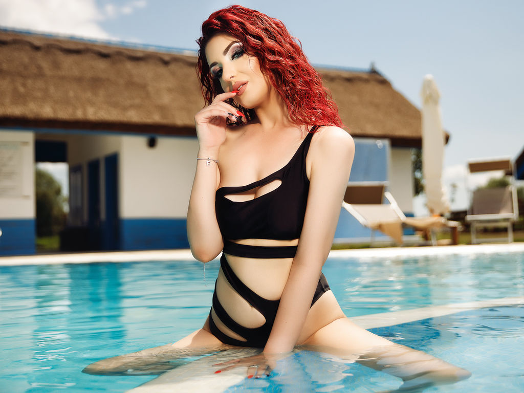 Webcam model IvonneLane from Web Night Cam (LiveJasmin)