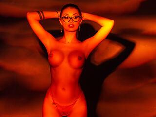 AdrennaLyne cam model profile picture