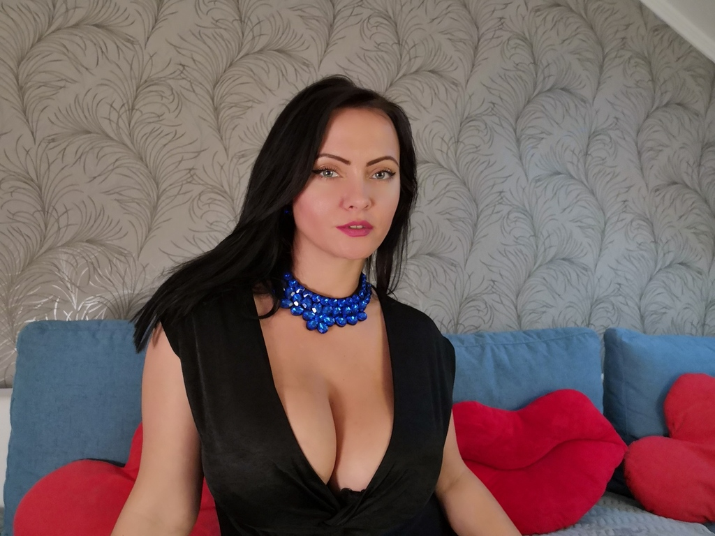Webcam model NatashaBoulet from Web Night Cam (LiveJasmin)