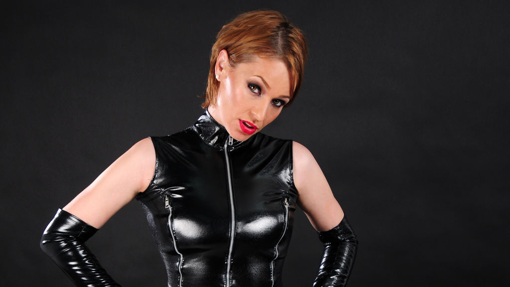 Watch the sexy HelenThorn from LiveJasmin at GirlsOfJasmin
