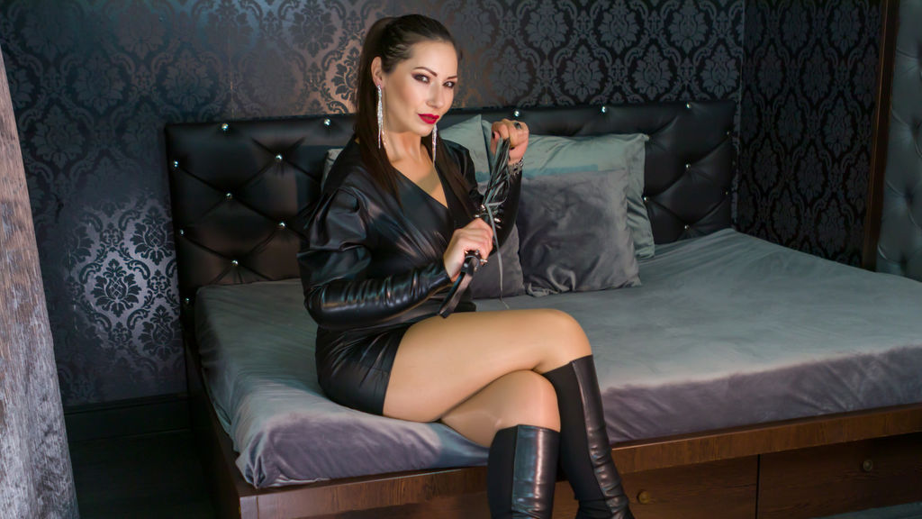 Watch the sexy HeraVaugh from LiveJasmin at GirlsOfJasmin