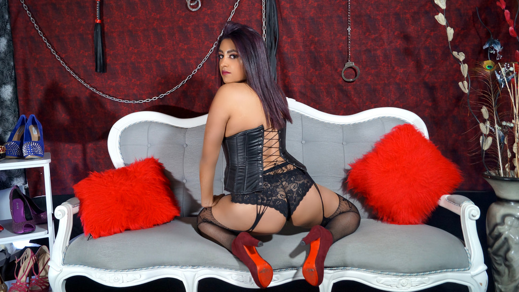 Watch the sexy LexyIzuel from LiveJasmin at GirlsOfJasmin