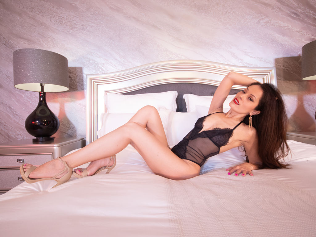 Webcam model FrancescaGundry from Web Night Cam (LiveJasmin)