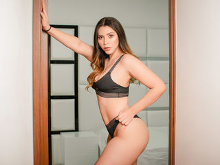 Webcam model AlexaCarrera from Web Night Cam