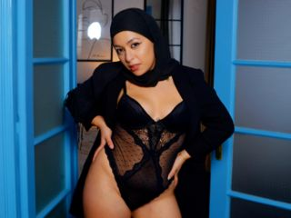 Webcam model MayraMuslim from Web Night Cam