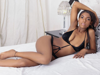 Webcam model AmeliaLaine from Web Night Cam